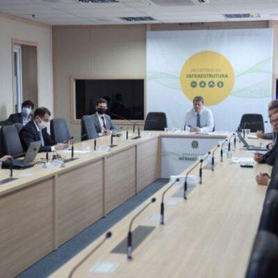 Ministro da Infraestrutura se reúne com transportadores de cargas e apresenta BR do Mar